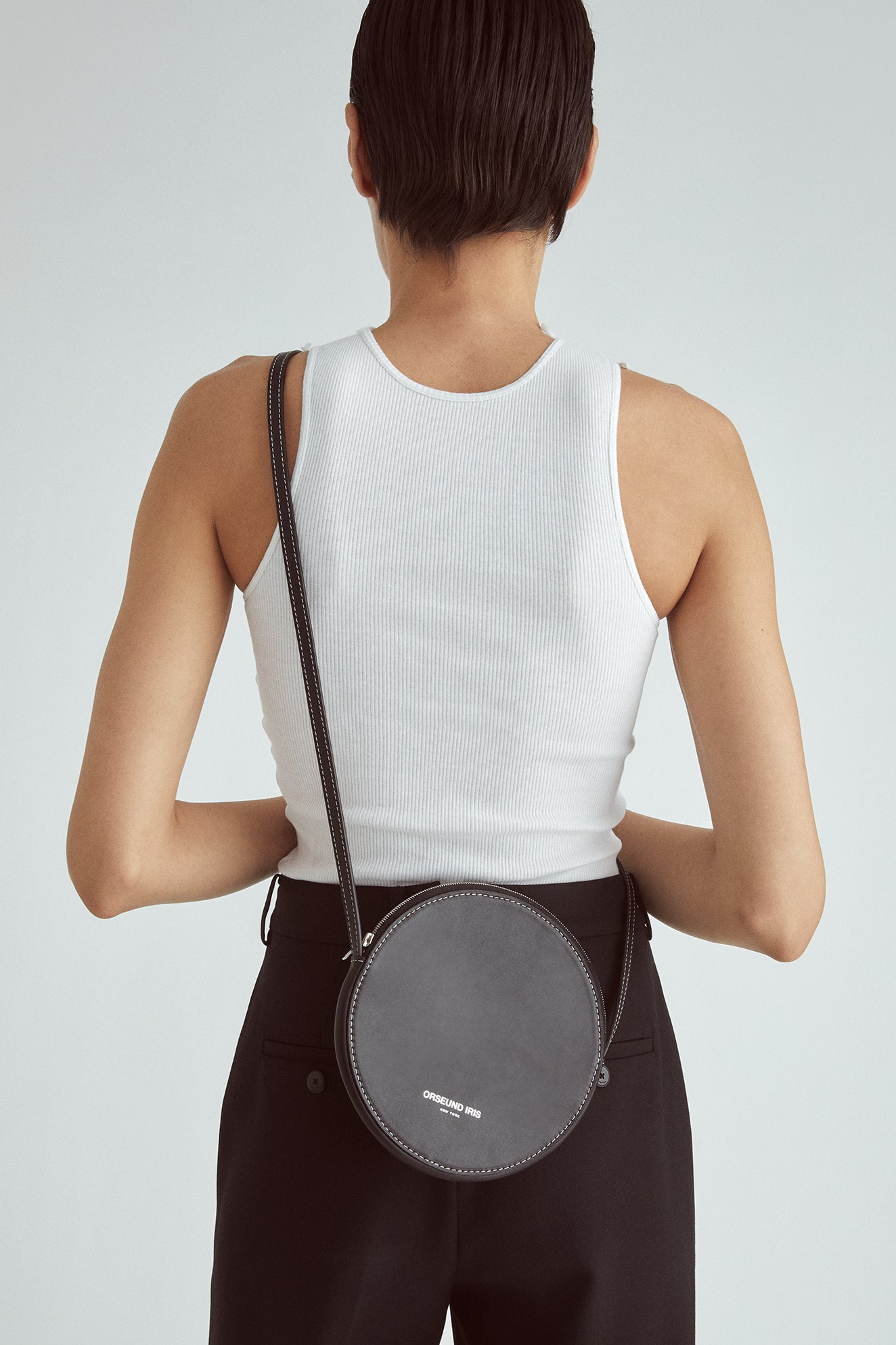 LEATHER CIRCLE CROSSBODY
