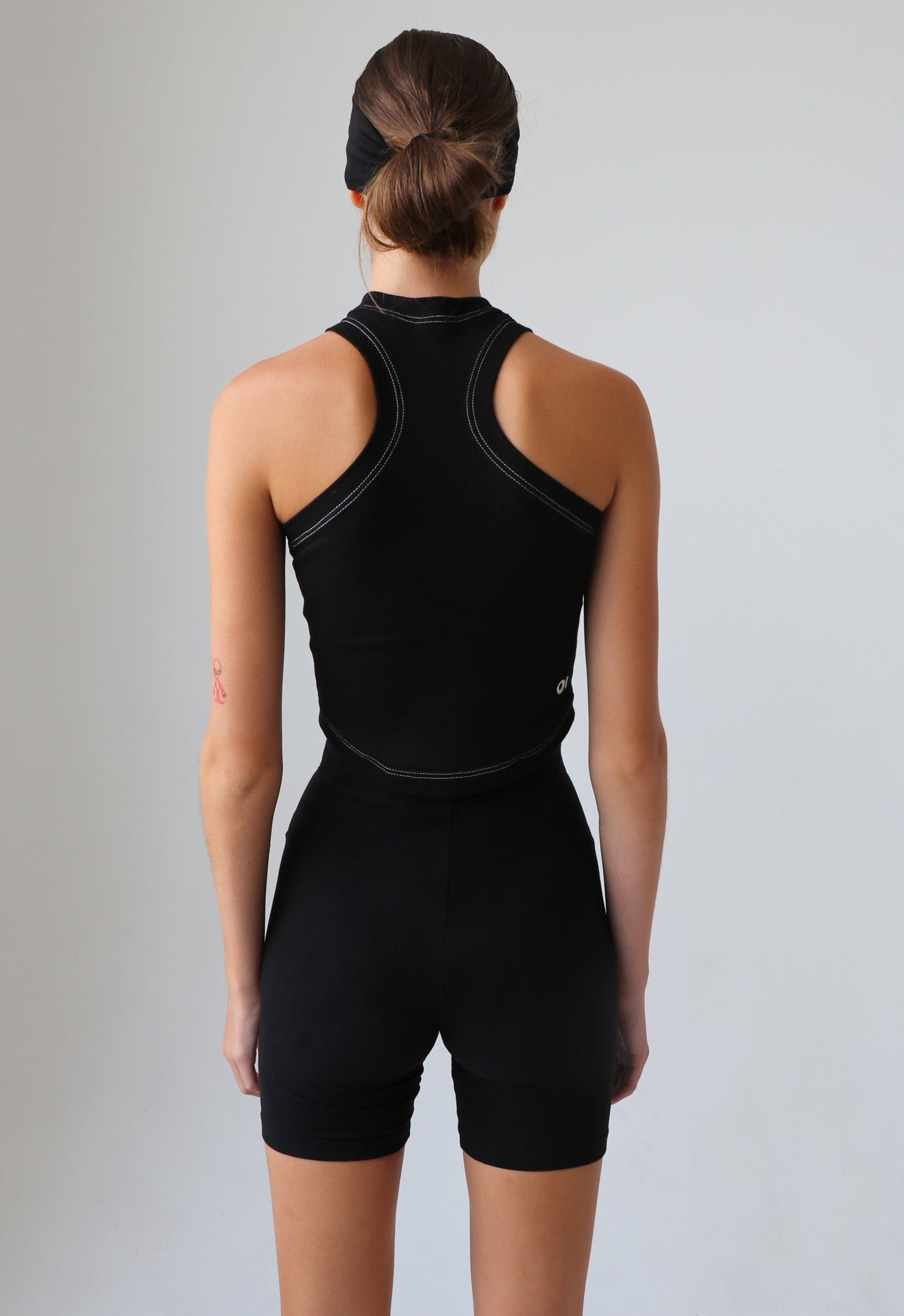 EXCLUSIVE RACERBACK SPORT TANK BLACK