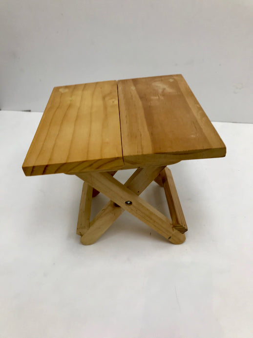 Mini wooden table