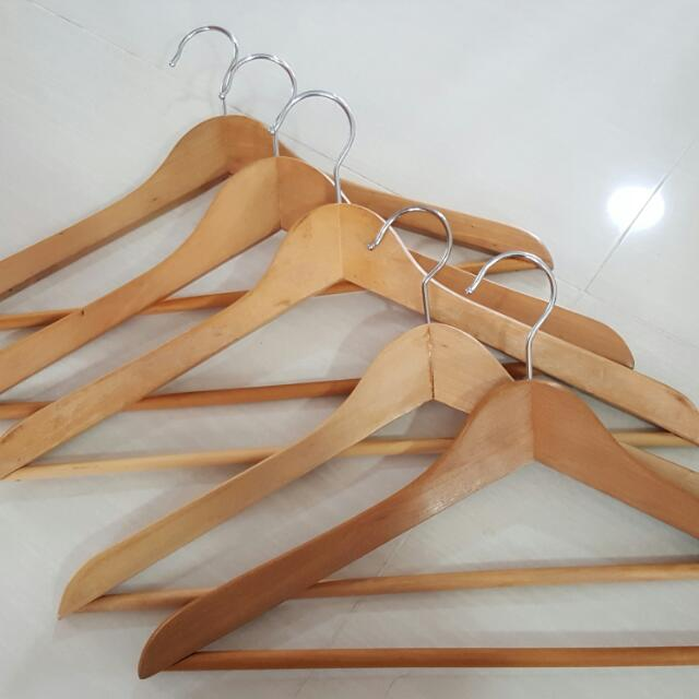 Wooden Triangle Hangers