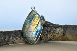 Elegant Labradorite Pendant Necklace | Labradorite Crystal Gemstone Jewelry - Enchanted Leaves - Nature Jewelry - Unique Handmade Gifts