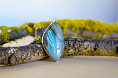 Elegant Labradorite Pendant Necklace | Labradorite Crystal Gemstone Jewelry