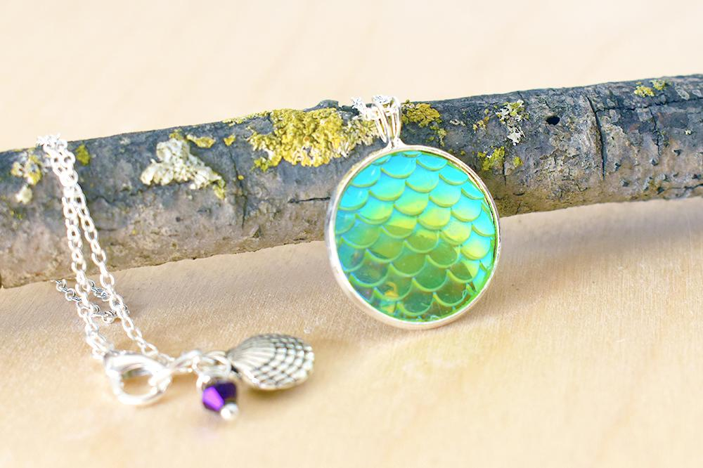 Iridescent Green Mermaid Scale Necklace | Round Mermaid Scales Pendant | Magic Mermaid Jewelry - Enchanted Leaves - Nature Jewelry - Unique Handmade Gifts