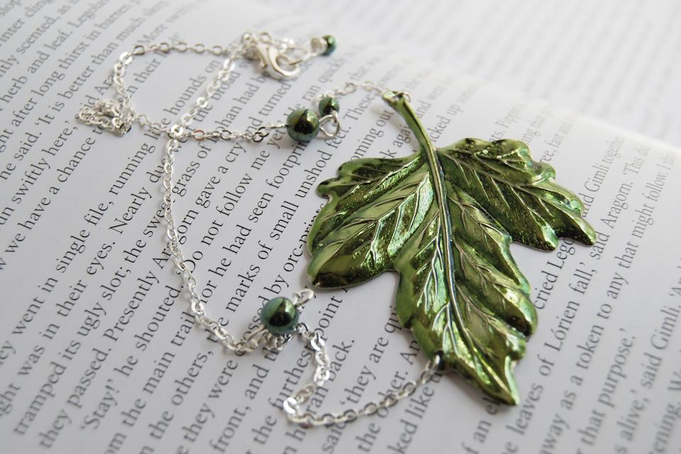 Leaves of Lórien | Green Ivy Leaf Necklace | Lord of the Rings Necklace | Forest Jewelry - Enchanted Leaves - Nature Jewelry - Unique Handmade Gifts