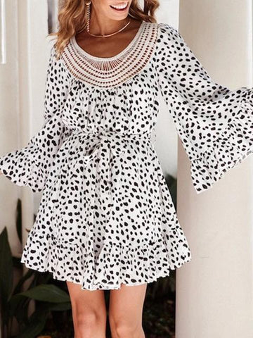 products/leopard-print-hollow-out-neck-short-dress_2.jpg