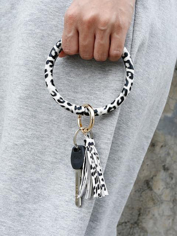 products/leopard-print-tassel-leather-bracelet-keychain_3.jpg