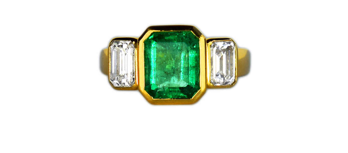 Yellow_Gold_Combian_Emerald_Ring