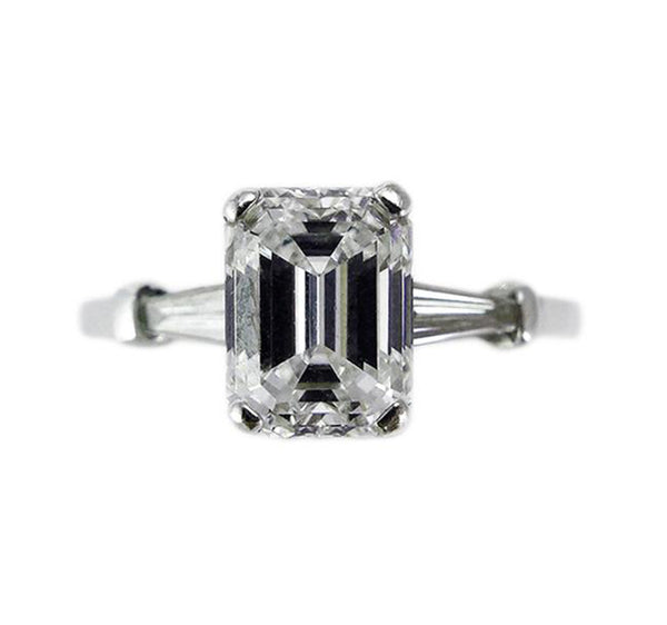 Emerald_Cut_Diamond_engagement_Ring