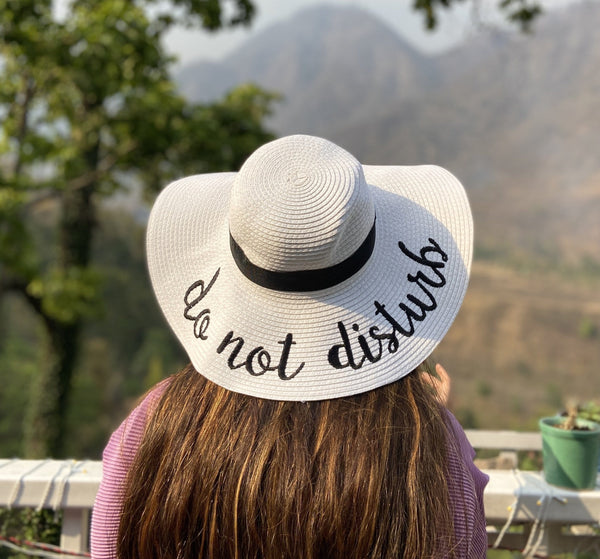 Do Not Disturb Straw Hat - White