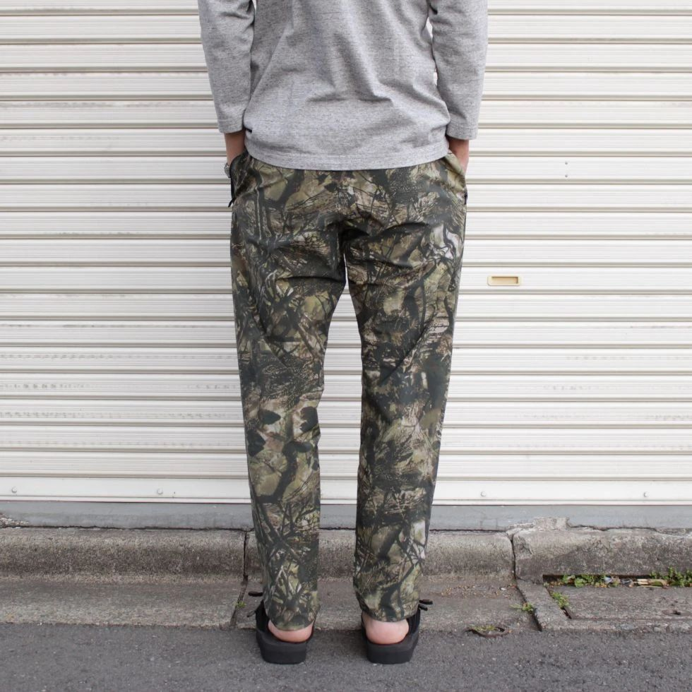 SOUTH2 WEST8 Trainer Pant - N/Pu Taffeta / S2W8 Camo Khaki - BOROPBY