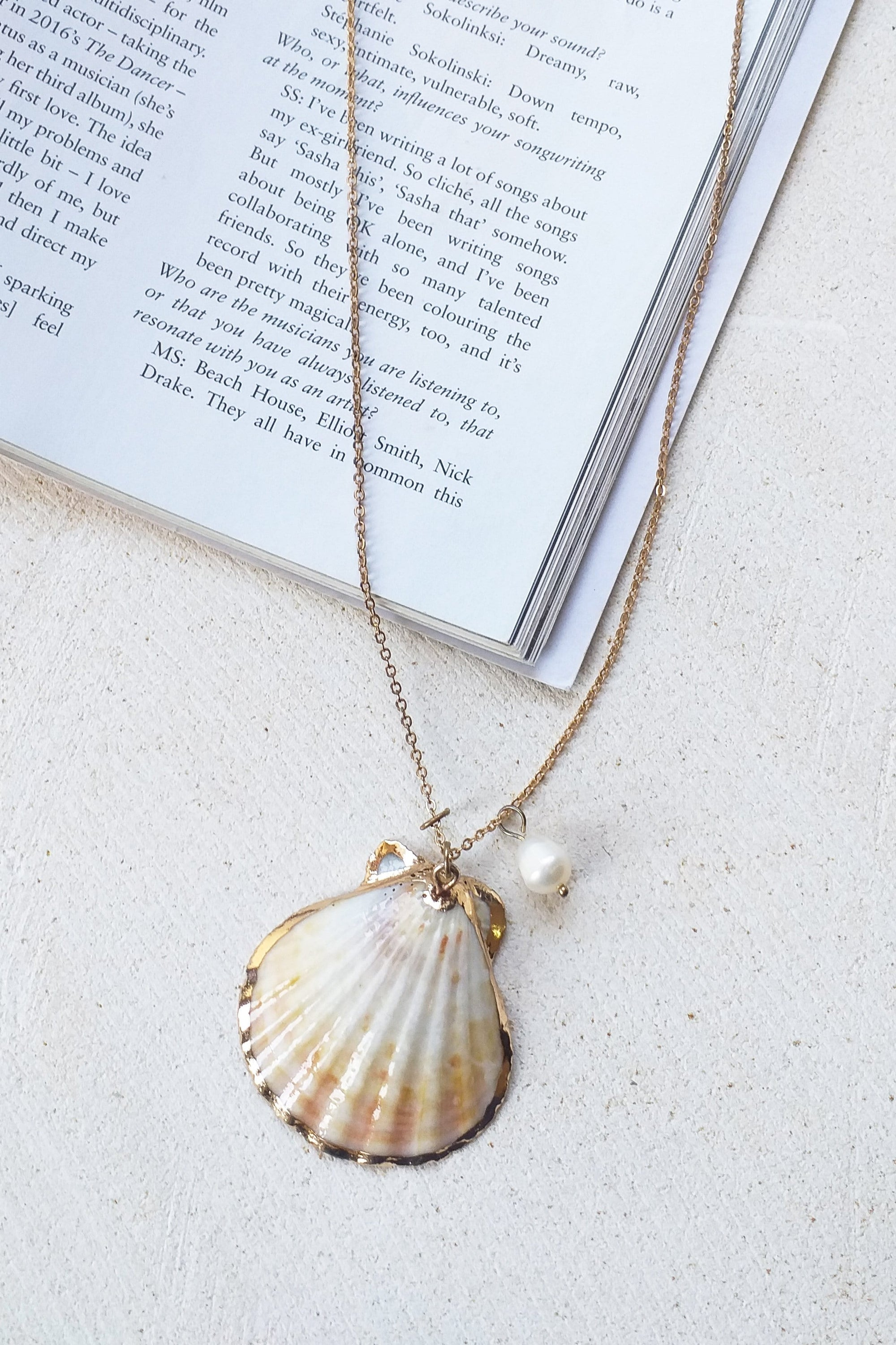 Clam Shell Necklace - Jewelry - LOST IN PARADISE