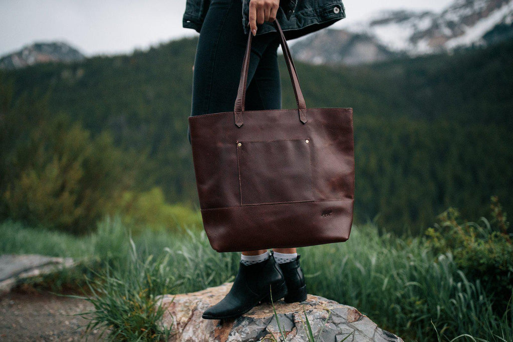 Juneau Leather Tote w/ Pocket