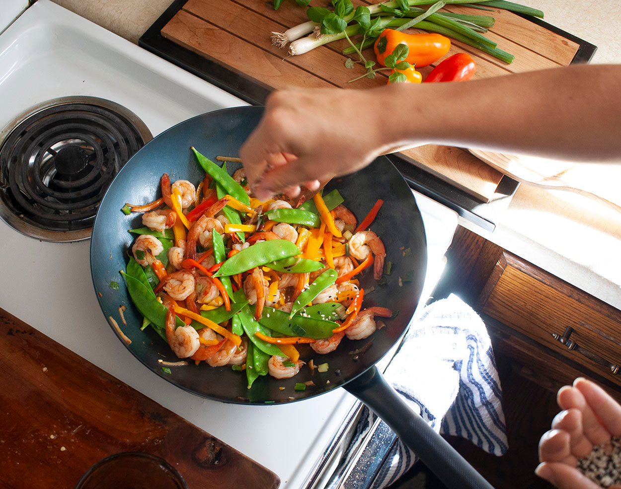 Handmade carbon steel cookware for your everyday life. The best wok you will ever own.