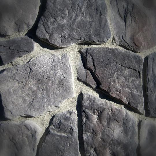 Black Bear Mountain Stone - Stone Veneer - Field Stone Midnight