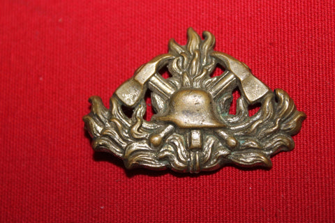 WW2 - German Fireman's Cap Badge