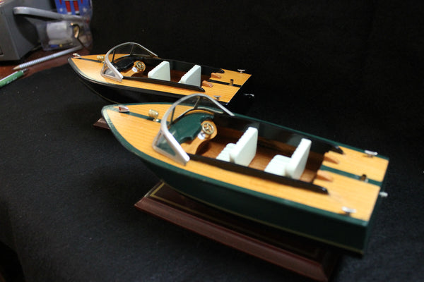 25 cm - Wooden Speedboat Model