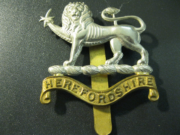 GB - Herefordshire Cap Badge.