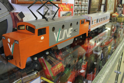 Large Model V/Line Locomotive and Carriage