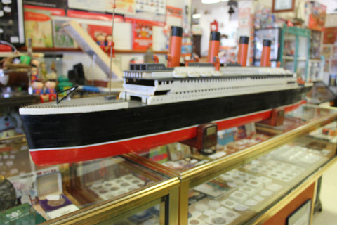"Very Large Hand Built "" Titanic "" Model"