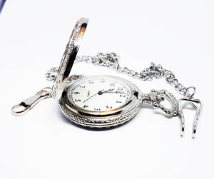 Minimalist Silver-tone Vintage Pocket Watch | Can Be Engraved - Vintage Radar