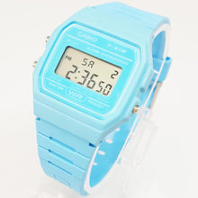 Cargue la imagen en el visor de la Galería, Stunning Blue Casio Watch For Men and Women | Unisex Casio Watches - Vintage Radar