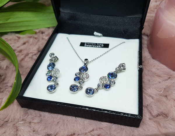 Vintage Silver Necklace and Earrings Set with Swarovski Crystals - Vintage Radar