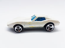 Load image into Gallery viewer, Hot Wheels 1975 Chevrolet Corvette Stingray | Pearl White Classic Toy Car - Vintage Radar