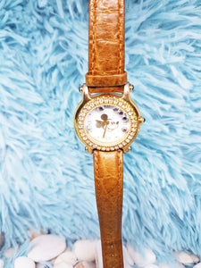 Luxury Vintage Mickey Mouse Watch | Gold-Tone Disney Quartz Watch - Vintage Radar