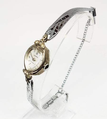 GENEVA Heart-Shaped Mechanical Watch | Silver-Tone Vintage Watches For Ladies - Vintage Radar