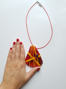 Handmade Deep Red Necklace | Seashell Handpainted Jewelry - Vintage Radar
