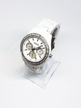 Load image into Gallery viewer, White Dial Fossil Quartz Watch | Luxury Vintage Watches - Vintage Radar