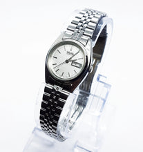 Load image into Gallery viewer, Silver-Tone 7N83-0011 Seiko Quartz Watch | Vintage Ladies Watches - Vintage Radar