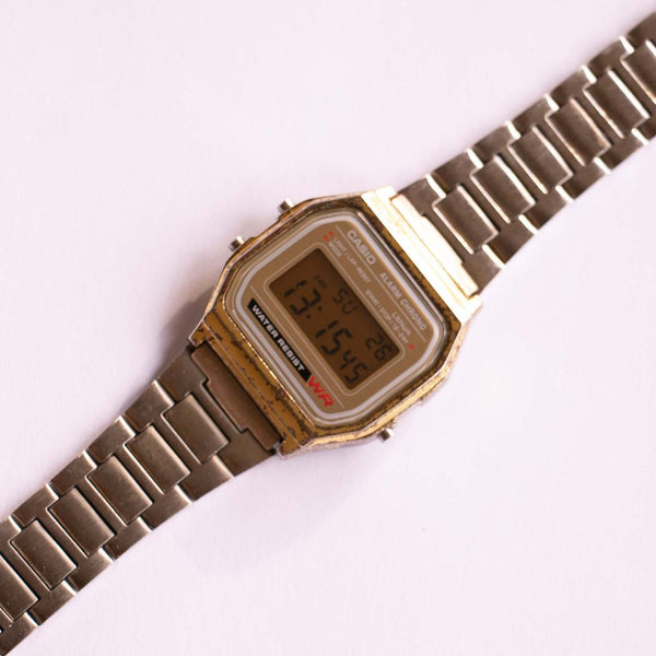Casio Alarm Chrono 593A158W 34 mm Vintage Watch resistant all'acqua