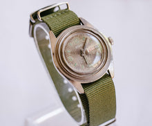 Load image into Gallery viewer, Le Gant 17 Jewels Antichoc Mechanical Watch | Men's Vintage Watch