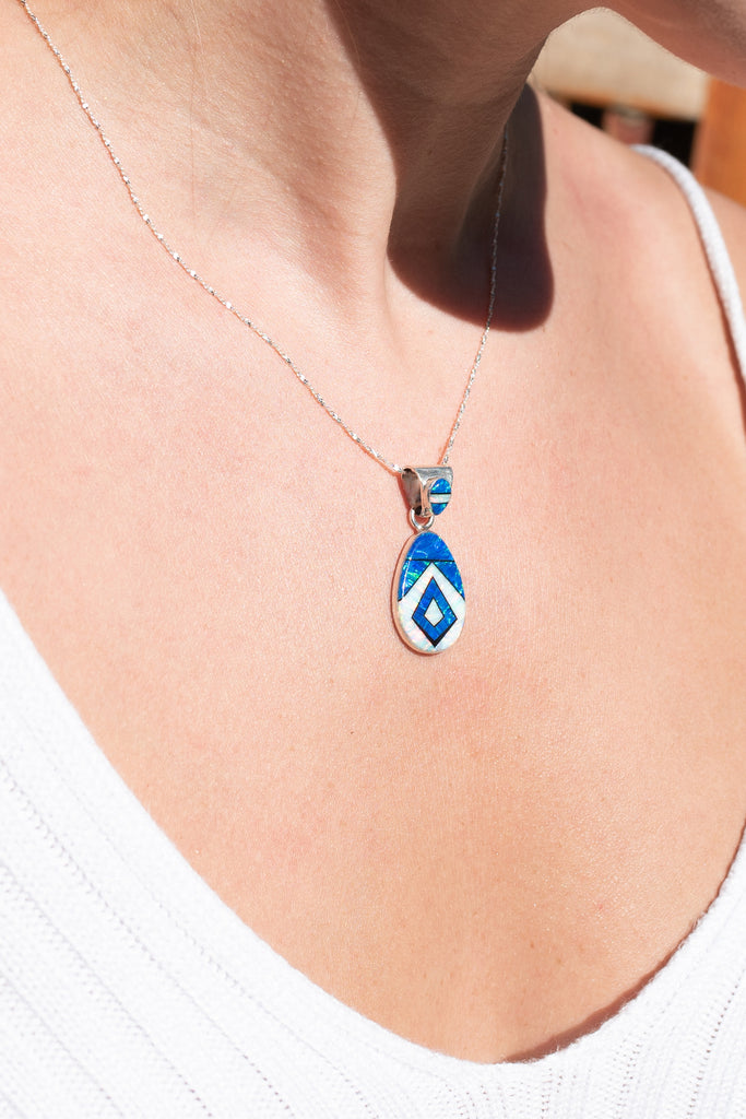 761PD - BLUE AND WHITE OPAL PENDANT
