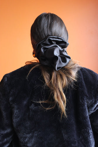 Dona scrunchies color negro