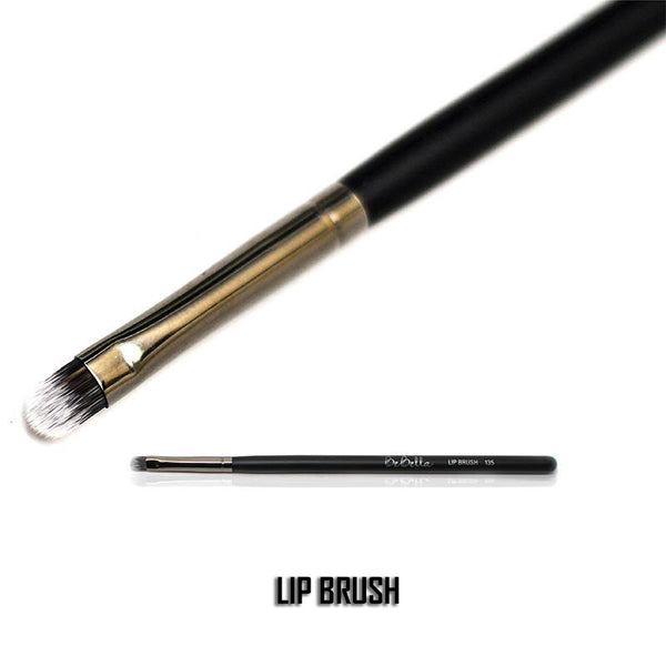 135 - LIP BRUSH