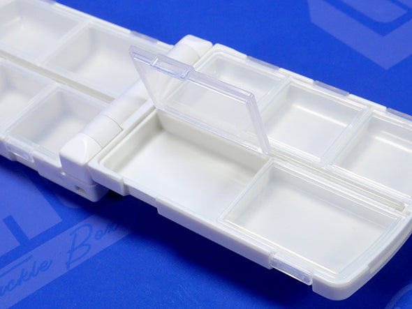 10 Individual Compartments Inside Case