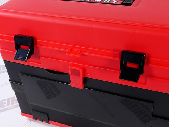Strong Latch Closure On Tackle Box Lid