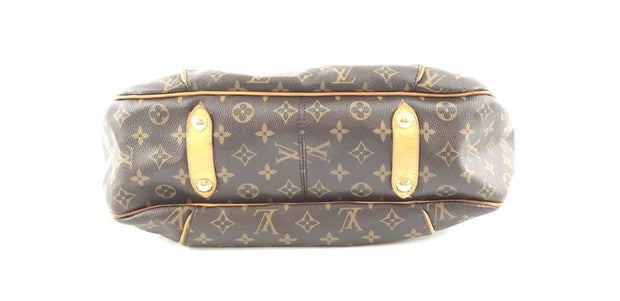 Louis Vuitton Hobo - Sheree & Co. Designer Consignment