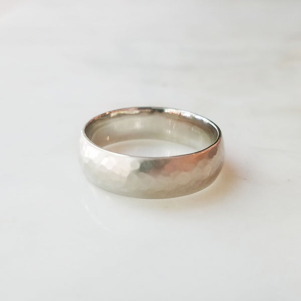 Eddy White Gold Hammered Matte Wedding Band
