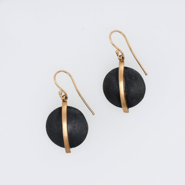 Vertical Bar Disc Earring