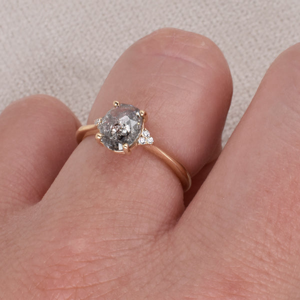 Finley Engagement Ring Setting ft. Salt & Pepper 1.25ct Oval Diamond