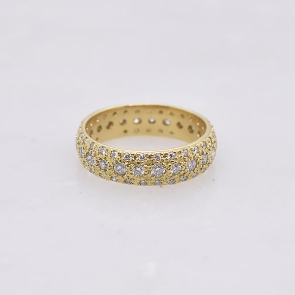 Pavé Diamond Brilliance Band
