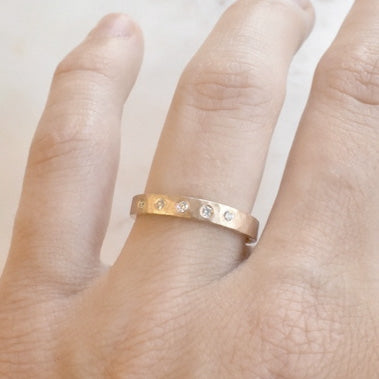 Hammered Band with Diamonds