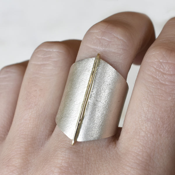 Large Gold Seam Ring
