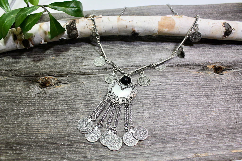 Beautifull Boundaries - Antiqued Silver Coin Circle Necklace - BOMSHELL BOUTIQUE