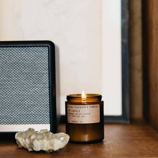 Teakwood & Tabacoo Soy candle - BOMSHELL BOUTIQUE