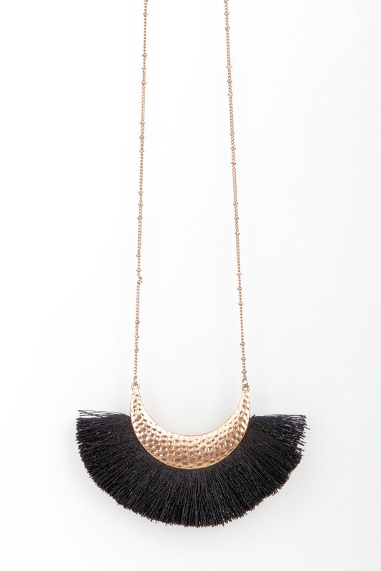 Fan Tassel Pendant Necklace in Black - BOMSHELL BOUTIQUE