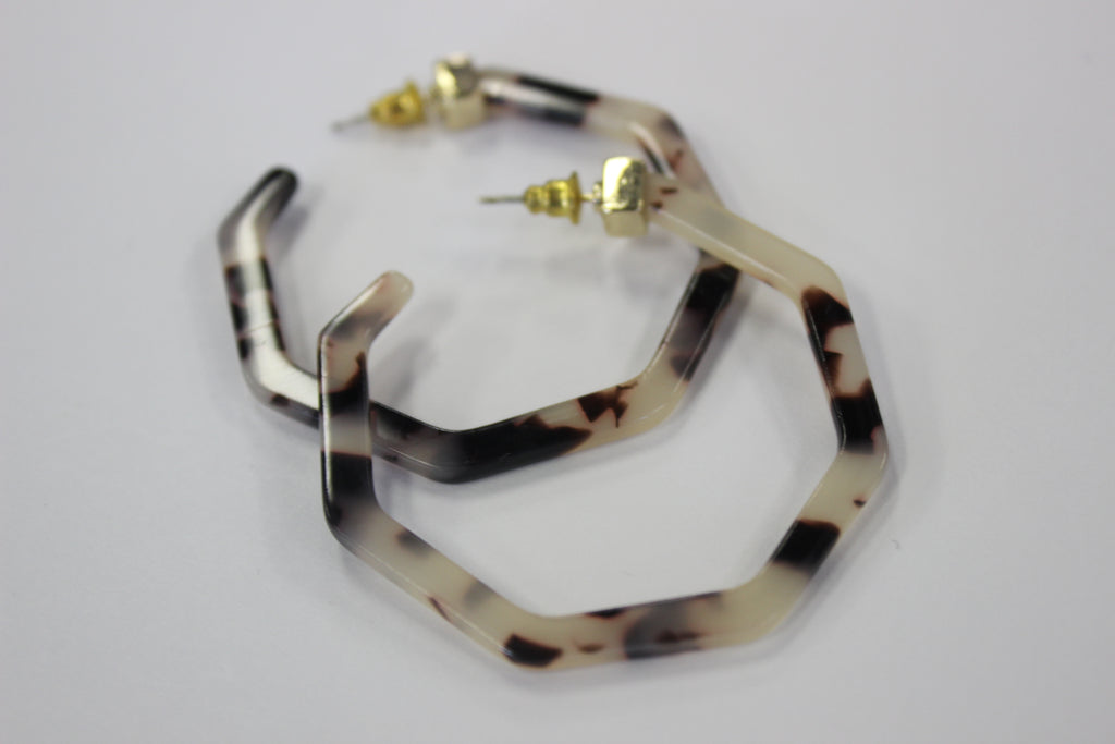Hexagon Tortoise Hoop Earring - BOMSHELL BOUTIQUE